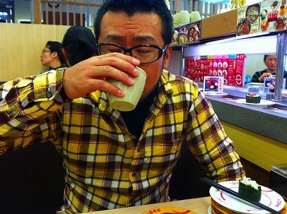 ★寿司食べにスシローへ